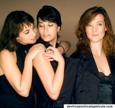 Carmen (Sandra Collantes), Nines (Celia Freijeiro) y Mónica (Cristina Pons)