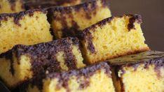 Šťavnatý mrkvový koláč s čokoládou  | Recepty.sk Banana Bread, French Toast, Breakfast, Food, Healthy Carrot Cakes, Oat Flour, Sweet Like Candy, Desserts, Palm Sugar