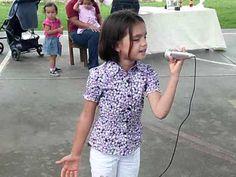 niña canta a su madre - YouTube