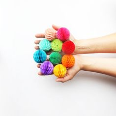 Rainbow Mini Honeycomb Balls