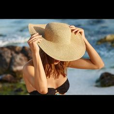 Woven Floppy Hat •Paper straw •Floppy silhouette •100% Paper Straw aerie Accessories Hats