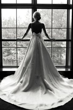 This is a really pretty shot of the Bride before walking down the aisle. I want to do this before my wedding Wedding Wishes, Wedding Pictures, Wedding Bells, Wedding Events, Our Wedding, Dream Wedding, Wedding Bride, Lace Bride, Princess Wedding