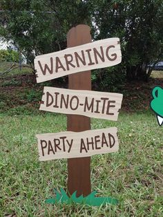 For your consideration is a Dinosaur Party Set. It includes two pieces, the Dinosaur and the Faux Wooden Sign to use on your lawn or as a Room Decoration. The Sign stands 2 ft tall by 1 ft wide and the Dino is 16x20 *** ****** Verrrrrrrrrry Important.... *** PLEASE CHECK WITH ME