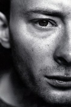 Thom Yorke, Radiohead - my hero! Art Music, Music Songs, Music Artists, Thom Yorke Radiohead, Britpop, Environmentalist, Rock Legends, Illustrations, Interesting Faces