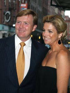 Princess Maxima Crown Prince Willem-Alexander Photos - Princess Maxima of the Netherlands and Willem-Alexander, Crown Prince of Orange, smile as they are spotted en route to dinner. - Dutch Royals have a NY dinner Royal Dutch, Prince Of Orange, Royal Queen, Dutch Royalty, Queen Maxima, Wedding Announcements, Love Her Style, Celebs, Celebrities