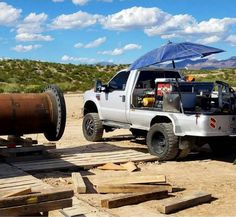 Pipeliners Are Customizing Their Welding Rigs Welding Trailer, Welding Trucks, Custom Truck Beds, Custom Trucks, Pipeline Welders, Rig Welder, Mobile Welding, Welding Services, Welding Beds