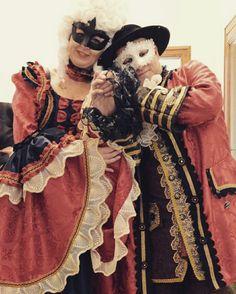 Carnevale di Venezia #catiamancini  Costumi del settecento #shoponline  www.costumiperlospettacolo.com
