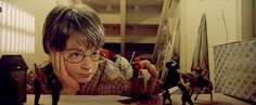 In Harry Potter and the Sorcerer?s Stone the toy soldiers that Harry plays with are all headless. This implies that they are broken hand me downs from Dudley. Harry Potter Prequel, Harry Potter Gif, Harry Harry, Harry James, James Potter, Drarry, Ron Weasley, Hermione, Percy Jackson