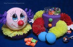 ronycursosdisponibles: PAYASO DULCERO EN PAPEL CREPE Birthday Clown, Tapas, Circus Cakes, Notebook Cover Design, Send In The Clowns, Ideas Para Fiestas, Circus Party, Yoshi, First Birthdays