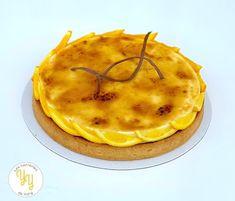 je vous propose une recette de tarte crème brûlée à l'orange et au chocolat. Cette tarte est composée : - d'une pâte sablée à l'orange - d'une crème d'amande au cacao - d'une ganache au chocolat noir - d'un palet de crème brûlée à l'orange Une recette sans difficulté mais néanmoins excellente. Orange Confit, Thing 1, Dessert, Camembert Cheese, Pancakes, Blog, Dairy, Cacao, Breakfast
