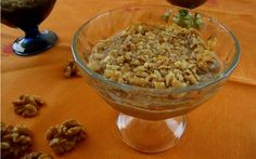Şeker ilavesiz, sadece üç malzemeyle ve kuru incirin mayalanmasıyla hazırlanan incir uyutması tarifi, aynı zamanda oldukça pratik bir tatlı.