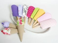 Grocery store popsicle and waffle Crochet For Kids, Sewing For Kids, Diy For Kids, Gifts For Kids, Sewing Toys, Baby Sewing, Sewing Crafts, Sewing Projects, Felt Diy