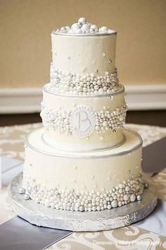 http://whiteflowercake.com/wp/wp-content/gallery/buttercream-wedding-cakes/blair1939_1.jpg