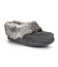 Manitobah Mukluks Tipi Moccasins suede/rabbit charcoal, black, chocolate sz7 64.99 Western Chic, Gifts For Brother, Charcoal Black, Native American Fashion, Eccentric, Shoe Boots, Shoes, Clothing Ideas, Fashion Styles