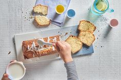 Jogurt-Becherli-Cake - Rezepte | little FOOBY Cereal, Sweet Tooth, Breakfast, Food, Kid Cooking, Kid Recipes, Diy Cake, Food Food, Eten