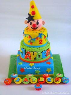 Bumba cake and cupcakes