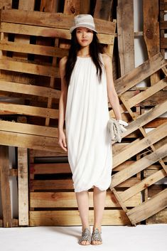 Elie Tahari Spring 2015 Ready-to-Wear Collection Photos - Vogue