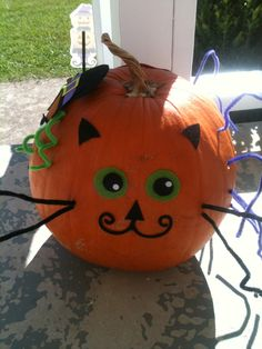 Fun/Easy way for kids to decorate pumpkins - glue, felt, and pipe cleaners.
