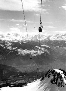 Les Télécabines d'Anzère Février 1967 - Depuis ses débuts, Novagence collabore avec TéléAnzère pour promouvoir la station Mountain Living, Real Estate Agency, Swiss Alps, Location, Skiing, Mountains, Outdoor, Beautiful, Ski