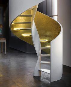 Scala elicoidale in acciaio con parapetto in legno e gradini illuminati a led modello - Eli Ac 03