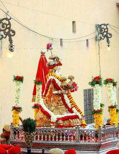 Shahar Palace B&B in Jaipur offers you budget Homestay in jaipur, guest house in jaipur, accommodation in jaipur, situated at peaceful area and garden view. Bridal Lehenga Online, B & B, Jaipur, Places, Lugares