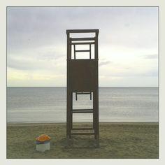 #torretta del #bagnino di #salvataggio alla  #barafonda #barafondabeach #rimini #romagna #sea #clouds #beach #mare #spiaggia #myrimini #raccontarimini #ig_rimini_  #yellow #volgorimini #igersemiliaromagna #igersrimini #volgoitalia #vivorimini  #vivoemiliaromagna #volgoemiliaromagna  #comunerimini #mytown @comunerimini #ig_emilia_romagna #ig_emiliaromagna