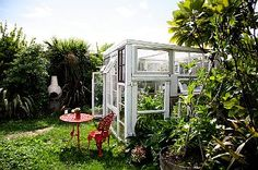 Beautiful green house! Can this be that hard to make? I guess that's what husbands are for.
