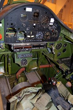 Wildcat cockpit use as reference for models for naval allied aircraft Grumman Aircraft, Ww2 Aircraft, Fighter Aircraft, Military Aircraft, Image Avion, Aircraft Interiors, Air Festival, Ww2 Planes, Flight Deck