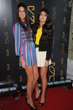 Kendall and Kylie Jenner, I don't care what anyone says about them. They have nice hair!