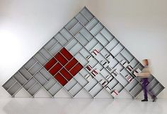 piarotto_bookcases Huge modular bookcase Fitting Pyramid framework in aluminum silver Measure cm 730 x 430 h #piarotto#design#photooftheday #instadaily #beauty#interiordesign     piarotto_bookcases#bookshelves#bookcase #shelving#bücherregal #decor#madeinvenice #livingroom #стеллаж #interior_delux#etsy#salonedelmobilemilano #furnituredesign#bespokefurniture#luxurydesign #luxuryinteriors#luxury#homestyle#homedecor#homedecoration#homedesign#instadesign#newblogpost