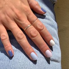 From rainbow nails to gradient nails to reverse French manicures, these are the best minimalist nail art ideas to try right now. Gradient Nails, Gel Nails, Nail Polishes, Acrylic Nails, Ombre Nail, Nail Nail, Rainbow Nails, Coffin Nails, Nail Pro