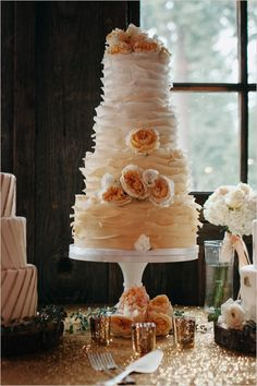 #rufflecake #weddingcake @weddingchicks