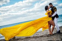 13 hours by plane to make these amazing photos of Ekene & Issac in Greece. Elegant Engagement Photos, Funny Engagement Photos, Engagement Photo Outfits, Engagement Couple, Engagement Session, Wedding Engagement, Engagement Photography, Outdoor Weddings, Country Weddings