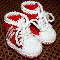 Crochet PATTERN for baby booties (pdf file) - Baby Sneakers (tennis shoes) Crochet Baby Booties, Crochet Shoes, Crochet Slippers, Knitted Baby, Crochet Diagram, Free Crochet, Knit Crochet, Baby Patterns, Crochet Patterns