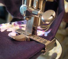 Very Rare Singer Featherweight Gauge Presser Foot Attachment 121717 | eBay