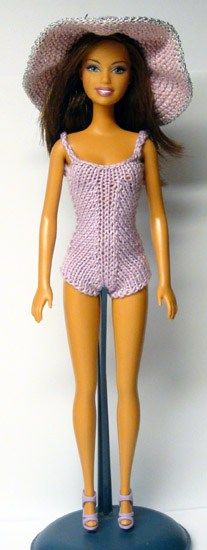 Crochet Toy Barbie Clothes 193 - Creating clothes for my dolls is one of my favorite crochet/knitting activities especially for my Barbie and other fashion dolls. Clothes for these 11 inch high dolls are inexplicably ex… Barbie Knitting Patterns, Knitting Dolls Clothes, Barbie Clothes Patterns, Crochet Barbie Clothes, Knitted Dolls, Crochet Dolls, Clothing Patterns, Crochet Patterns, Dress Barbie