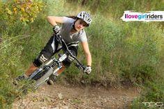 Autumn Training - Rider: Morgane Such - Photo: Thomas Di Giovanni - #ilovegirlriders #iamagirlrider #ilgr #girlriders #downhill #mtb