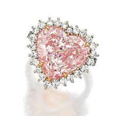 Rosamaria G Frangini | High Pink Jewellery | Fancy Light Pink Diamond And Diamond Ring - Sotheby's