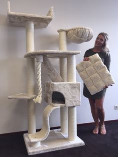 Cat Mansion Beige Cat Tree for Large Cats – Cat Mansion Beige – 71 inch 108 lbs 5 inch Ø poles – Total size inch – Cat Scratcher scratching post activity center Cat Trees for large cats. Quality product from Cat Tree King Chat Beige, Cat Mansion, Diy Cat Tower, Chat Maine Coon, Grand Chat, Cat House Diy, Cat Stands, Cat Playground, Cat Scratcher