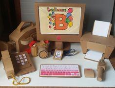 Cardboard toy Office for pretend play – Toys Ideas Diy Cardboard Furniture, Cardboard Box Crafts, Cardboard Playhouse, Cardboard Toys, Paper Crafts, Barbie Furniture, Diy Furniture, Furniture Design, Diy For Kids