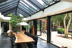 Billedresultat for udestue med glastag Danish House, Pavillion, Rooftop Garden, Skylight, Modern Contemporary, Facade, Pergola, Sweet Home, New Homes