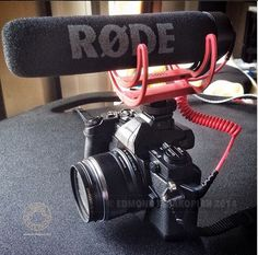 Nice small setup with the VideoMic GO on the new @mary v Olympus EM1. Photo by @terakopian