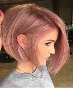 35 Charming Rose Gold Hair Colors - Page 17 of 35 - LoveIn Home - 35 Charming Rose Gold Hair Colors Rose gold hair,hair colors,hairstyle ideas. Gold Hair Colors, Hair Color Pink, Rose Pink Hair, Ombre Rose, Dusty Rose Hair Color, Dusty Pink Hair, Bob Hair Color, Cabelo Rose Gold, Hair Color Formulas