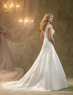 ❀ Appliques V Neck Chapel Train Satin Wedding Dresses | Riccol ❤