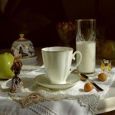 Breakfast Candies Drinking Tea #iPad #Wallpaper