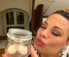 Homemade Honey & Coconut Lip Scrub – mmoom