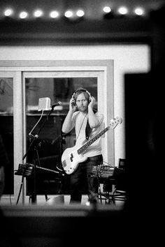 Nate Mendel - Sound City, Dave's movie Nate Mendel, Chris Shiflett, Pat Smear, Taylor Hawkins, Man Projects, Dave Grohl, Foo Fighters, Musical, Rock Bands