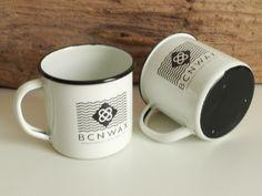 Nuestras tazas de acero esmaltado #RETROPOT con diseño de #BCNWAX @bcnwax www.retropot.es Tazas de metal, personalizadas y colección propia. Tazas de acero esmaltado RETROPOT retro y vintage