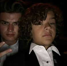 Hangin' with the one and only Joe Keery, but you guys know him as Steve Harrington. Stranger Things Steve, Stranger Things Netflix, Leiden, Stranger Things Gaten Matarazzo, Joe Kerry, Netflix Us, Steve Harrington, Queen, Celebs