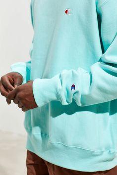 95d29b4c Champion Reverse Weave Fleece Crew-Neck Sweatshirt | Urban Outfitters